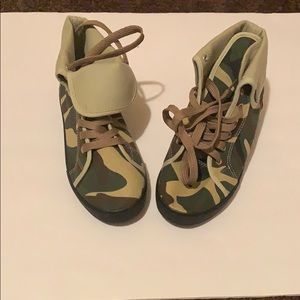 Shoes - (Women's) Camo sneakers size 8- (box included)
